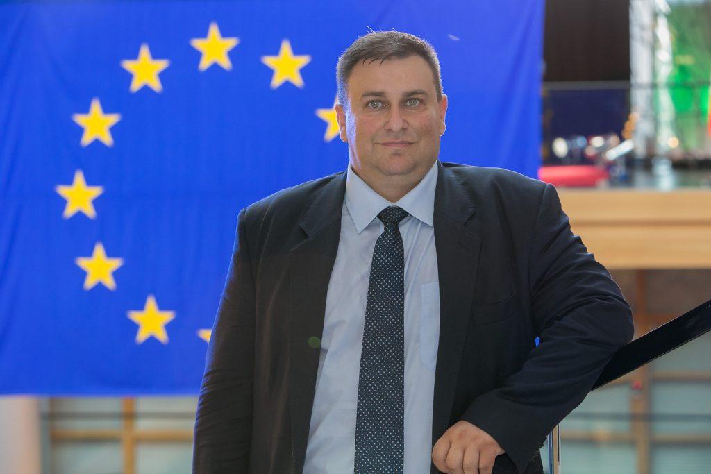 Награждават победителите в училищен конкурс под патронажа на евродепутата Емил Радев
