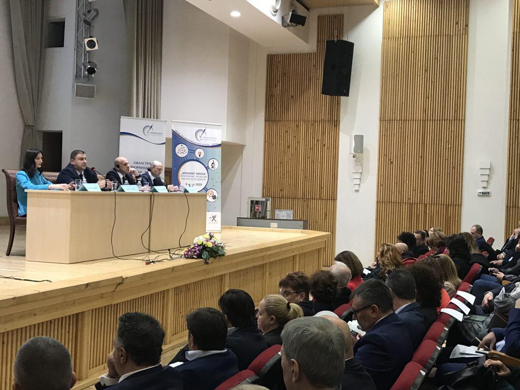 Емил Радев: Необходима е общоевропейска правна рамка в областта на роботиката